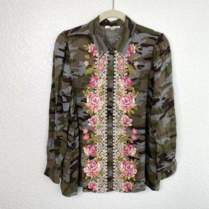 Andree by Unit Camo Floral Embroidered Top Button